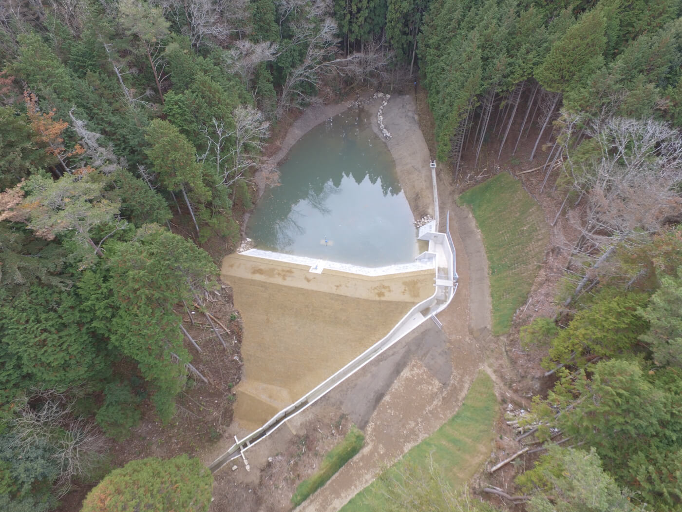 県営ため池等整備事業 御屋敷池改修工事