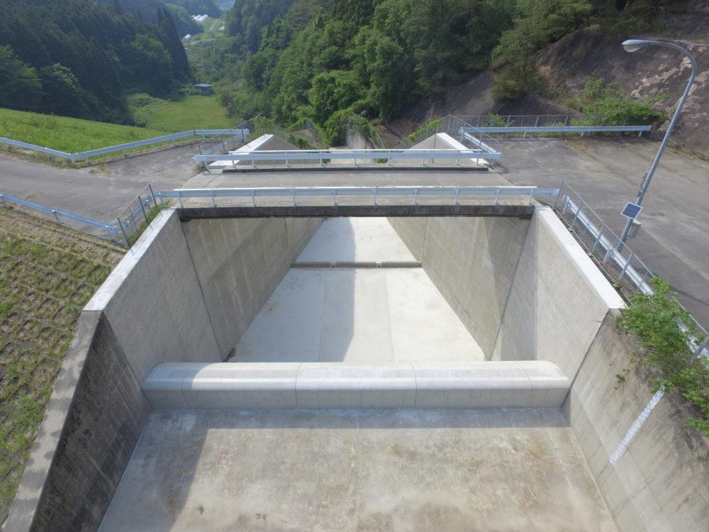 県営ため池防災対策事業 兼平地区 施設保全対策工事