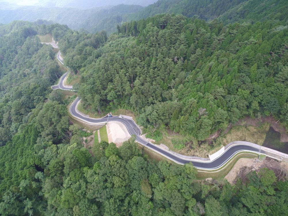公共地方創生道整備推進交付金事業 森林基幹道三森山(5)-2線開設工事